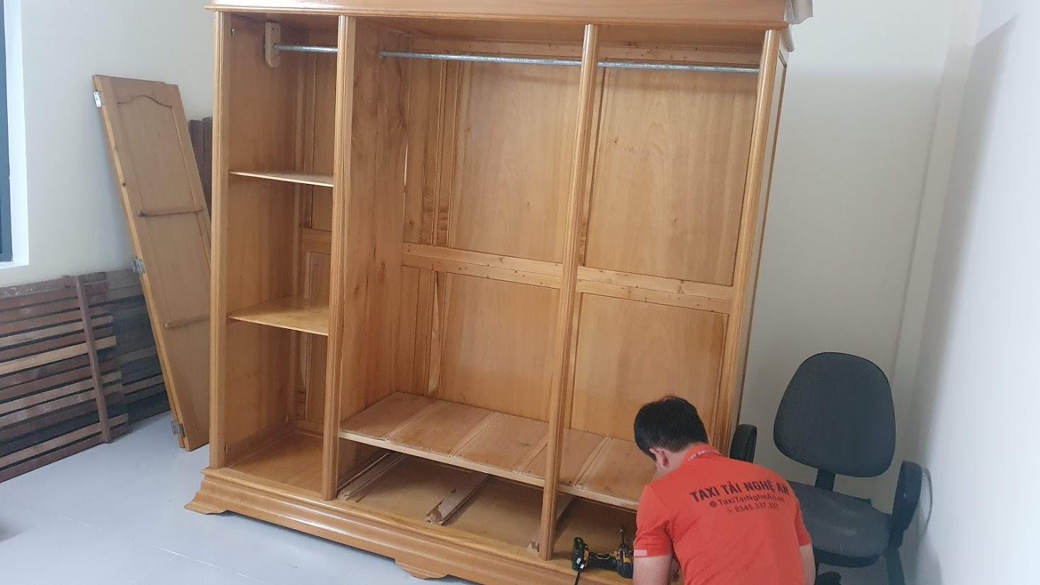 Chuyển Nhà Nghệ An - Tháo lắp tủ gỗ